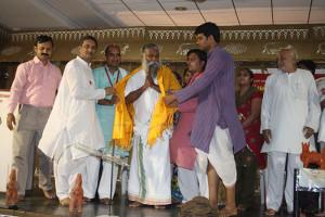 Angvastram to  Guruji By Gavyaratnas.