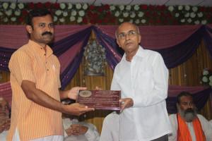 Amar Balidani Rajiv Bhai dixit shreshtha Panchgavya Vigyani Swarna Puraskar to Gavyasiddha Suresh Vyankatrao Garad.