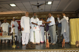 Sevaratna-Gavyasidhachary-Samman by Indian Cell Therepy (Aurvedik Industrial School Tamilnadu) to Guru Ji by D. G. Mani