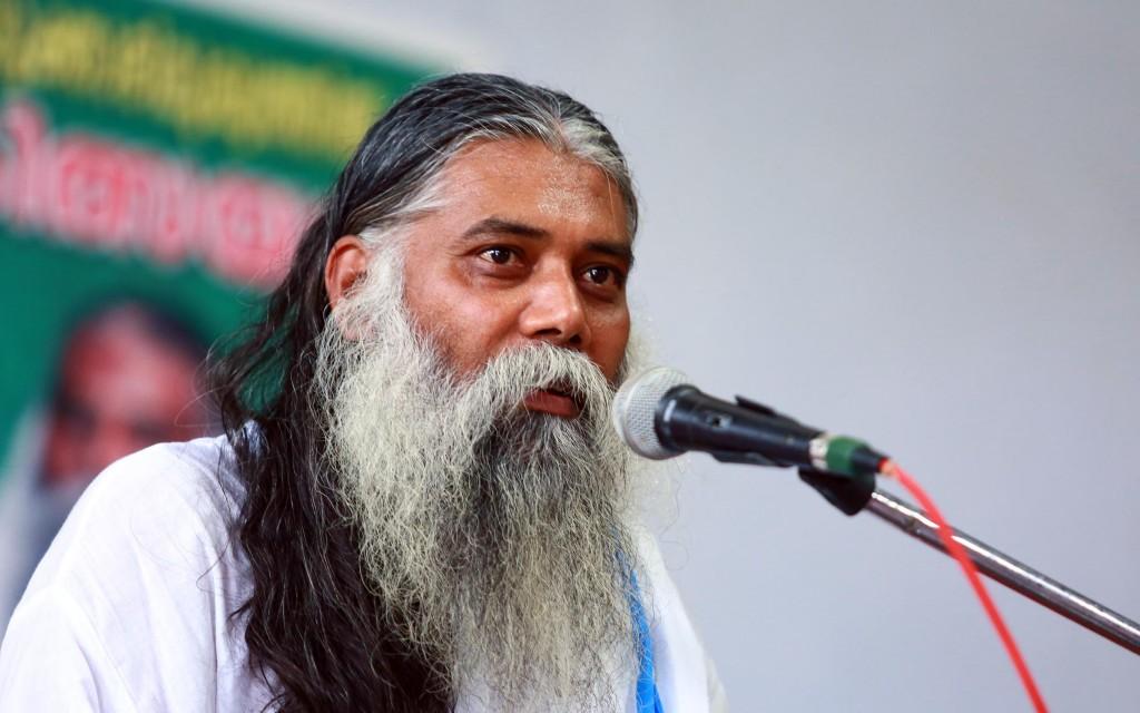 सेवारत्न गव्यसिद्धाचार्य निरंजन भाई वर्मा केरल में गो महात्म्य पर व्याख्यान देते हुए.